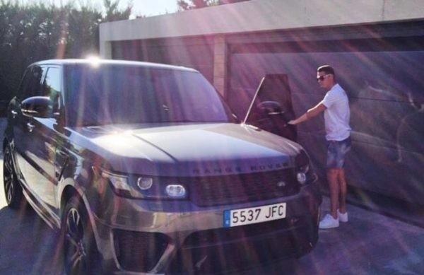 cristiano-ronaldos-expensive-cars-11-600x453