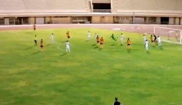 باور نکردنیترین گل در فوتبال ایران را ببینید/ کارتون فوتبالیستها در ایران!