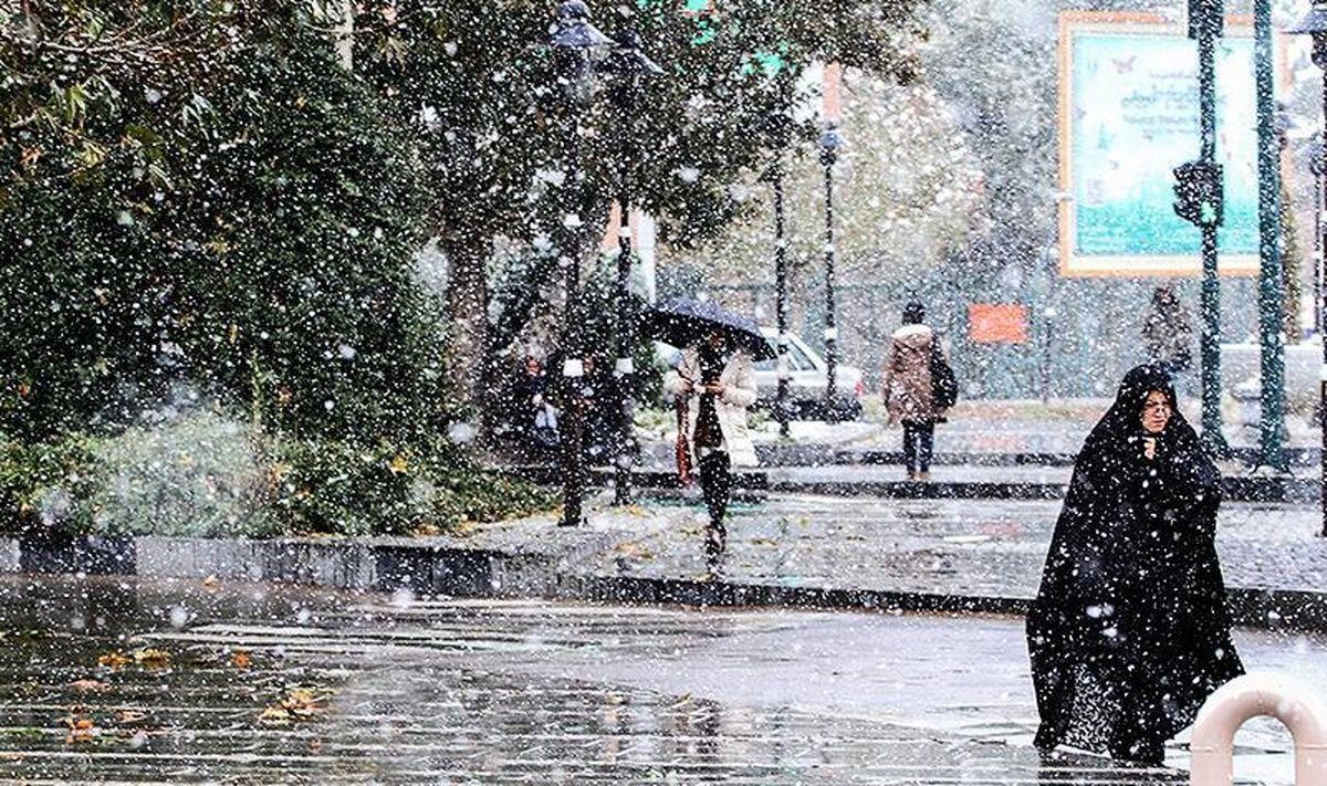 بارش برف در نخستین روز از آذر ۹۹ + فیلم