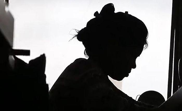 تن فروشی دختر 14 ساله با 22 مرد! / مادر سنگدل دخترش را اجاره می داد