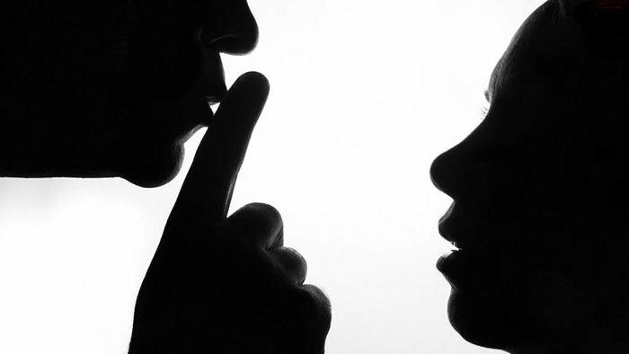 تجاوز وحشیانه به دختر پشت کنکوری / معلم خصوصی این بلا را سر دختر 18 ساله آورد