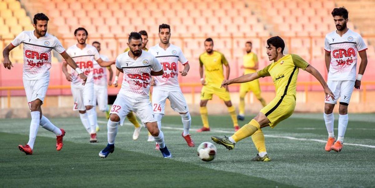 اخراج مدیر فوتبالی به دلیل حمل سلاح قلابی و تبانی