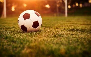 قرارداد جنجالی بازیکن ۷۵ ساله با تیم فوتبال مصر + عکس