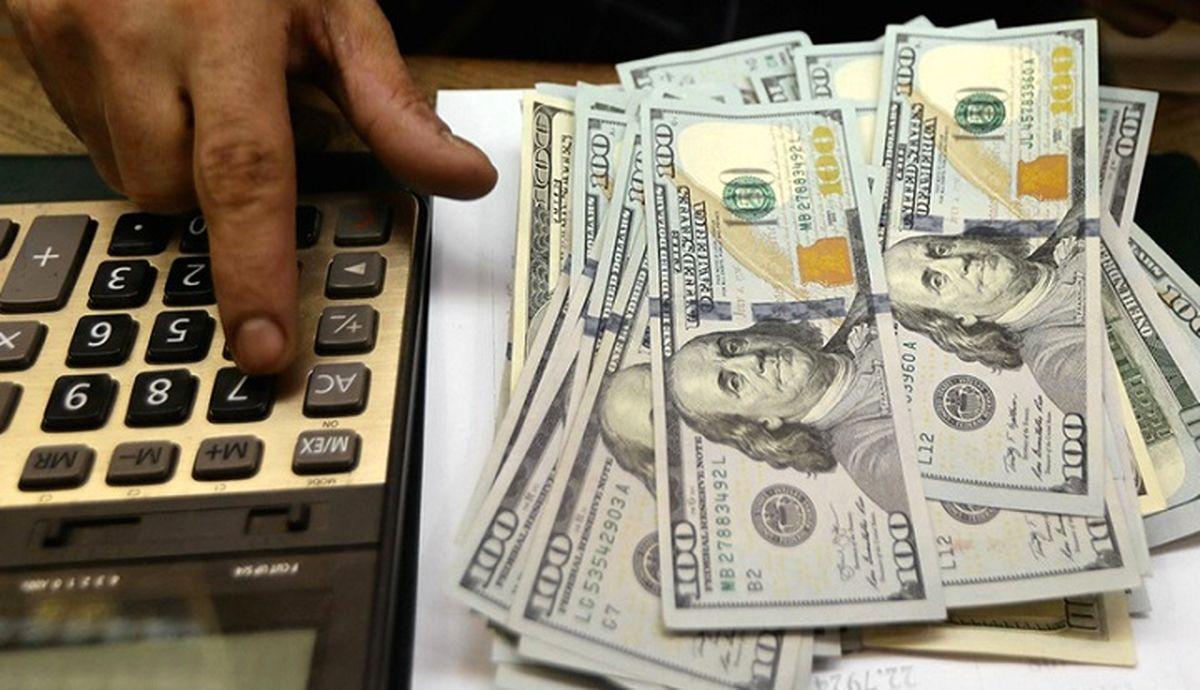دلالان دلار در یک قدمی ثروتمندشدن / قیمت دلار در بازار بالا کشید